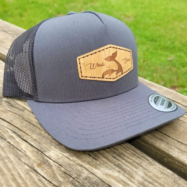 Whale Sacs bamboo hat grey curvedbill